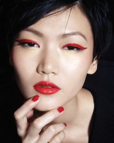 red cat eye makeup