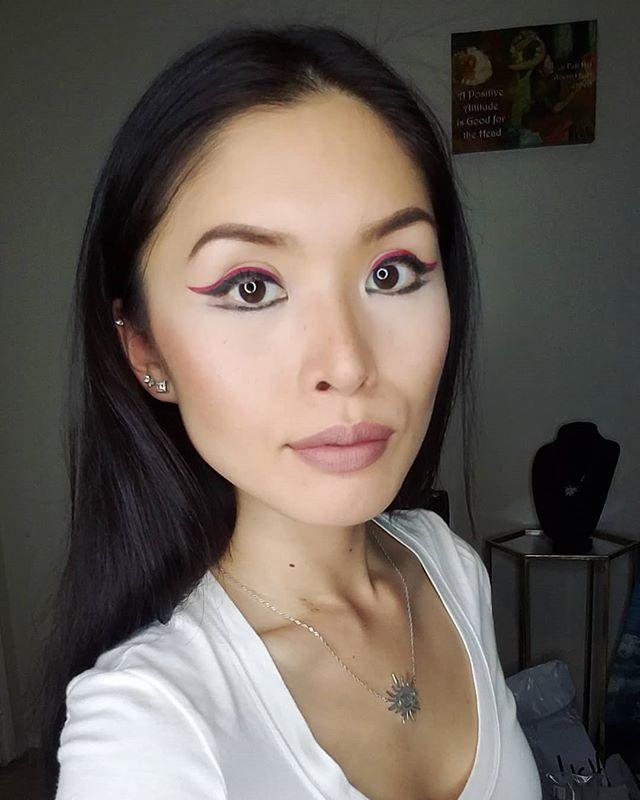 Red Eyeliner #cateyemakeup #nyx #nyxcosmetics #eyelinerlook #benefitcosmetics (@CatEyesAndCandy on IG)